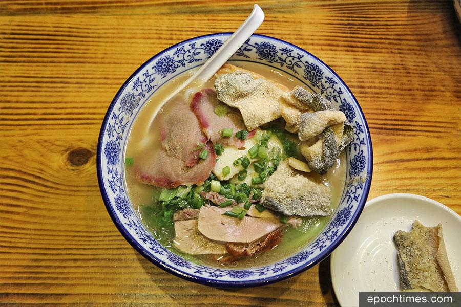 百喜記推出精心改良的艇仔粉,銳意將香港仔的傳統美食文化發揚光大。(陳仲明/大紀元)