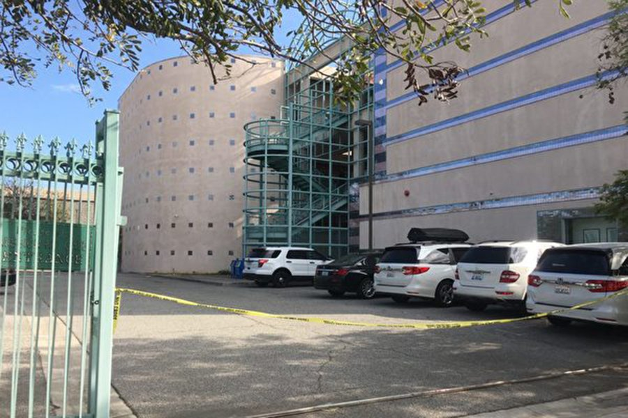 11月16日早上,位於洛杉磯阿罕布拉市的華文媒體《僑報》大樓內發生槍擊,該報董事長謝一寧被下屬槍殺。(姜琳達/大紀元)