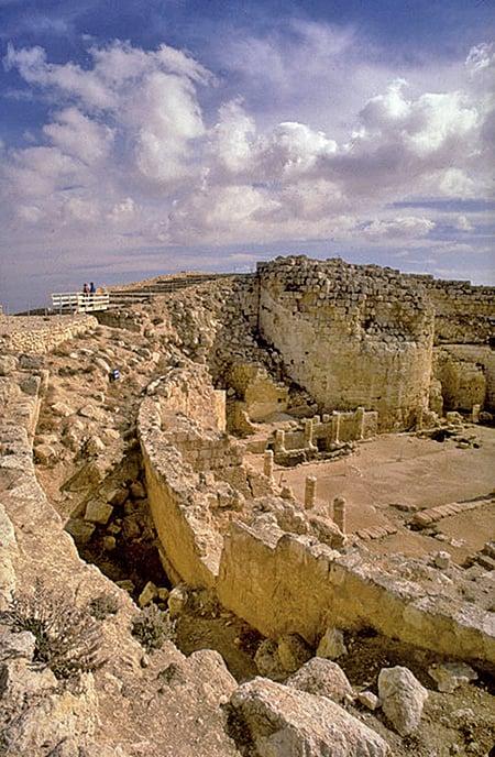 2007年5月8日,以色列考古學家在希律城遺址發現一處墓地,並推斷這就是2000年以來人們一直在尋找的希律王埋葬地。(Getty Images)