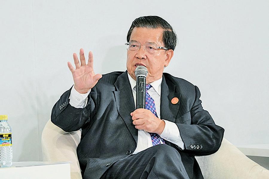 龍永圖批對美貿易戰失策 凸顯內部分歧