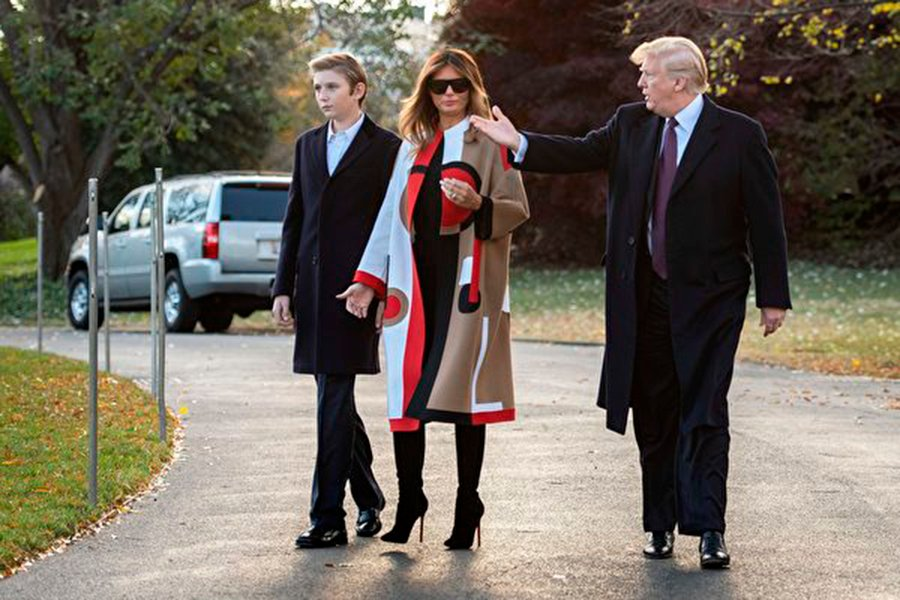 特朗普總統攜第一夫人及小兒子於11月20日前往佛州度假。(JIM WATSON/AFP/Getty Images)