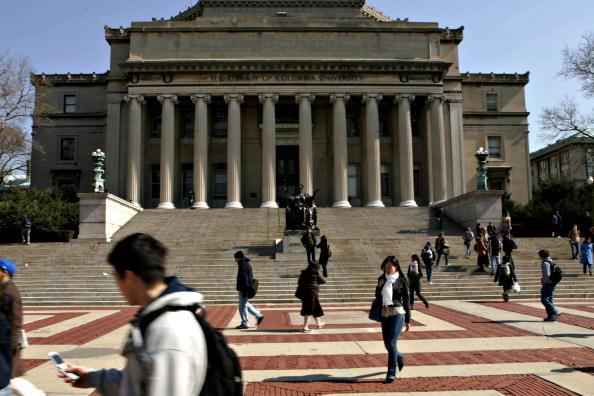 圖為美國哥倫比亞大學校園內。(Daniel Barry/Bloomberg via Getty Images)