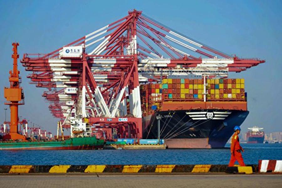 穆迪一位高管預測,華府及北京的緊張關係將延續到明年,而且涉及貿易衝突以外的錯綜複雜問題,對中國經濟造成進一步的下行壓力( STR/AFP/Getty Images)