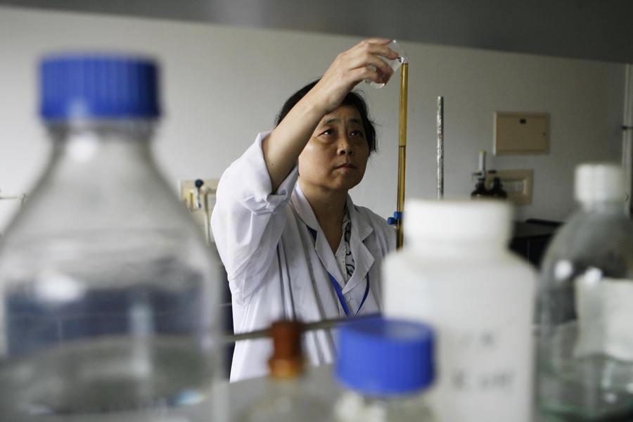 調查:大陸科學家過度勞累 薪水也跟不上