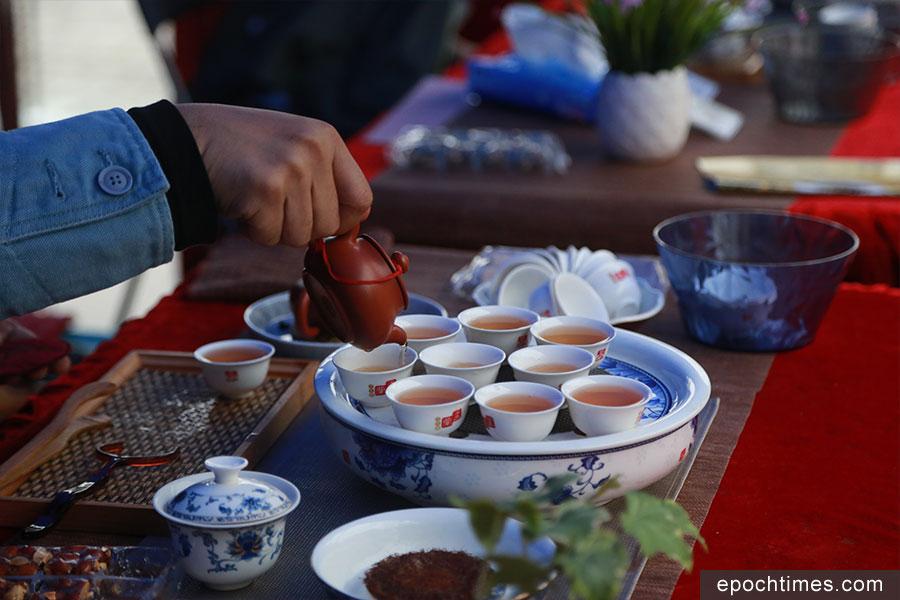 茶藝攤位活動。(陳仲明/大紀元)