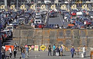 大篷車數百人非法闖邊境 美關閉邊境