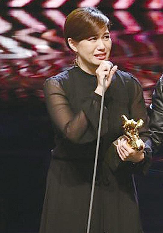 傅榆以《我們的青春,在台灣》獲得本屆金馬獎最佳紀錄片。(中央社)