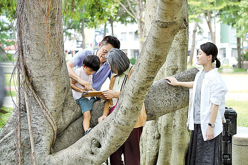 導演在影片中表現的家庭中互相關懷的人性展現,正是這部影片中最動人的地方。