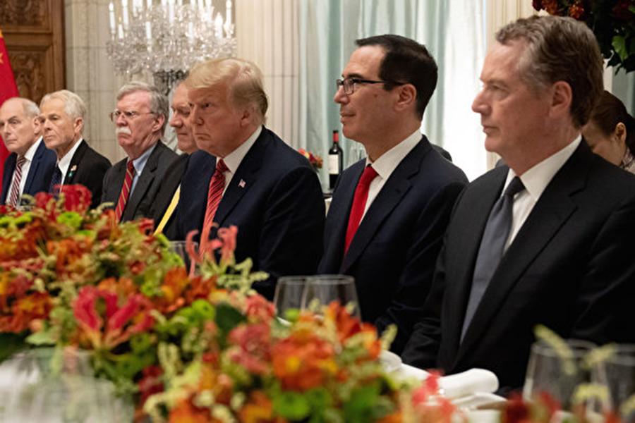 美國總統特朗普與中國國家主席習近平在G20期間的晚宴提前開始。圖為美方代表。(SAUL LOEB/AFP/Getty Images)