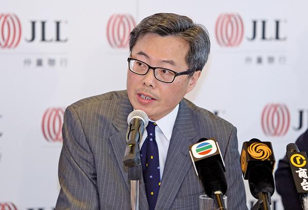 仲量聯行董事總經理曾煥平稱,香港樓市今次回調不會因貿易戰停火而好轉,仍然存在下調壓力,過往升幅大的樓盤,或會下跌超過三成。(大紀元資料室)