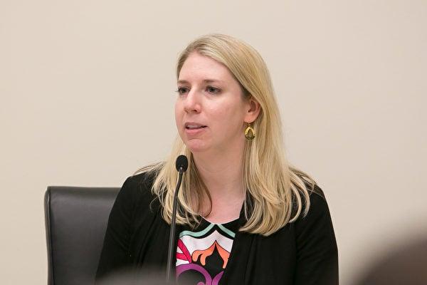 圖為美國國際宗教自由委員會(USCIRF)的研究與政策副主任Tina Mufford(李莎/大紀元)