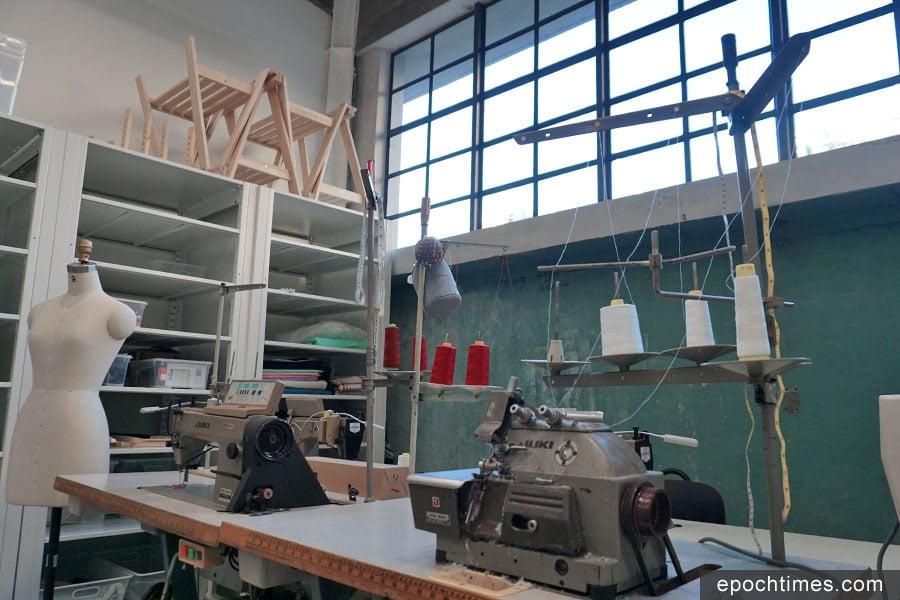 南豐紗廠內的多個工作室,展現了昔日紗廠的面貌。(曾蓮/大紀元)