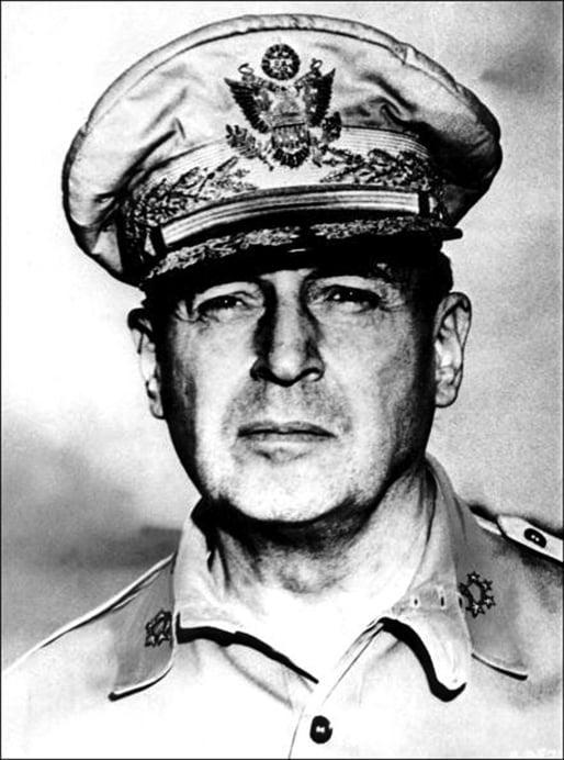 道格拉斯.麥克阿瑟(Douglas MacArthur)將軍。(公有領域)