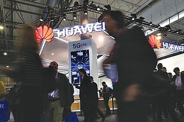 英國傳媒報道,英國電信已決定把華為排除在核心5G網絡的設備供應投標商名單外,並在兩年內移除核心4G網絡中的華為設備。(AFP)