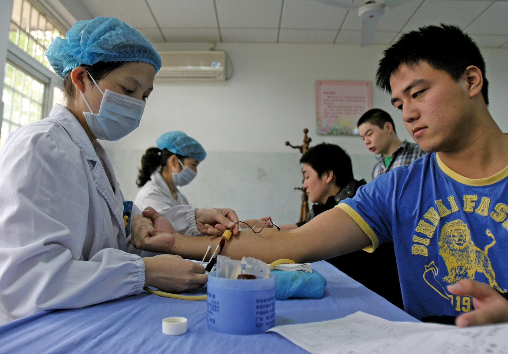 體檢爆醜聞:有護士假冒醫生看超聲,甚至有的抽了血,沒做檢查就扔掉血樣,直接出結果。圖為示意圖。(大紀元資料室)