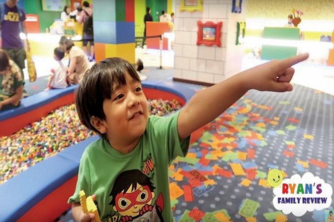 七歲男孩成YouTube收入冠軍