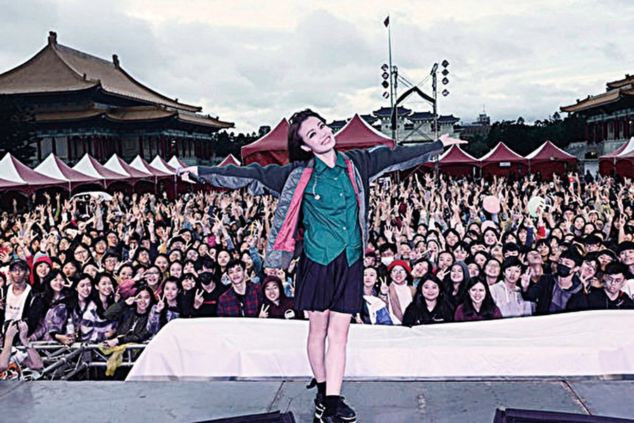 容祖兒旋風訪台灣24小時搭高鐵趕北、高校園