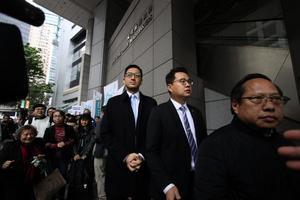 林卓廷尹兆堅遭警預約拘捕 斥政治檢控決不認罪