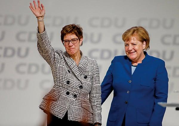 上周五(7日)55歲被稱為「小默克爾」的克朗普-卡倫鮑爾成為德國最大政黨基民盟主席。(AFP)