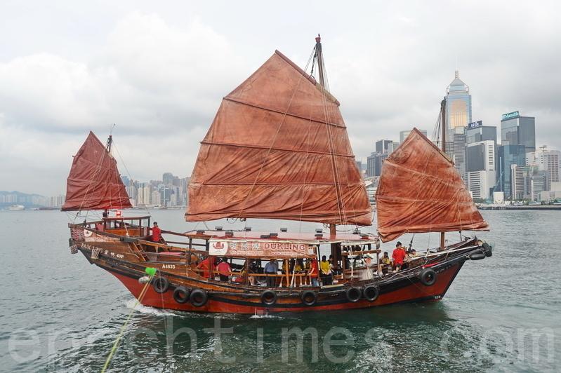 鴨靈號一周年復航 兩天四時段免費乘搭