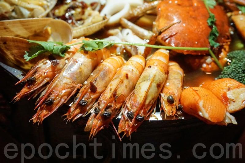海鮮入口鮮嫩,最貼心是蝦身的殼已被去掉。