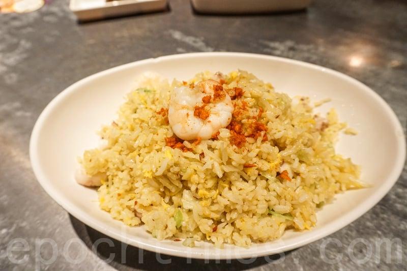 避風塘海鮮炒飯的飯炒得夠乾身粒粒分明也不會過油,入口煙韌香口。(米芝Gi提供)