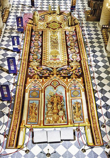 收藏於巴黎聖母院的大地毯。(Thesupermat/Wikimedia Commons)