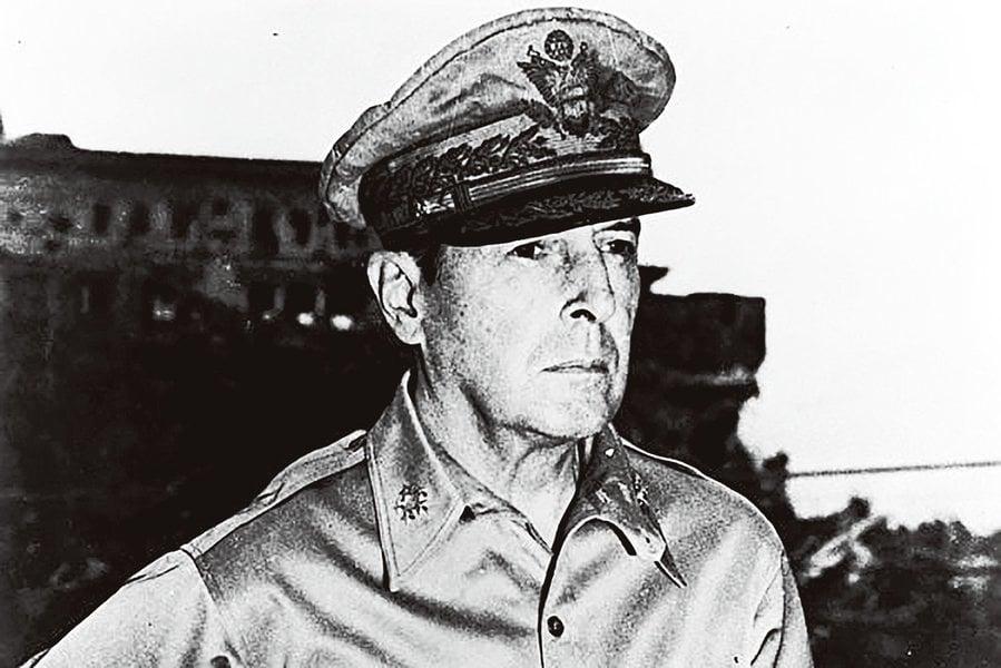 傳奇名將麥克阿瑟在韓戰聽證會上的驚人之舉