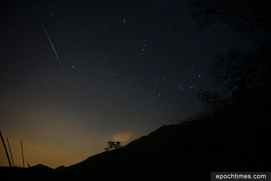 雙子座流星雨高峰期 二澳觀測流星劃過夜空