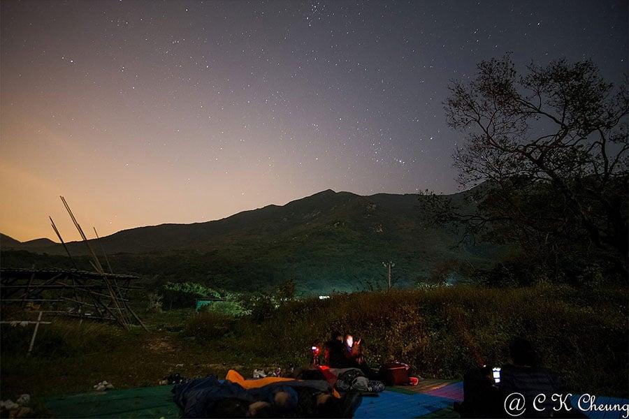 二澳農場的雙子座流星雨觀星露營活動。(讀者C K Cheung提供)