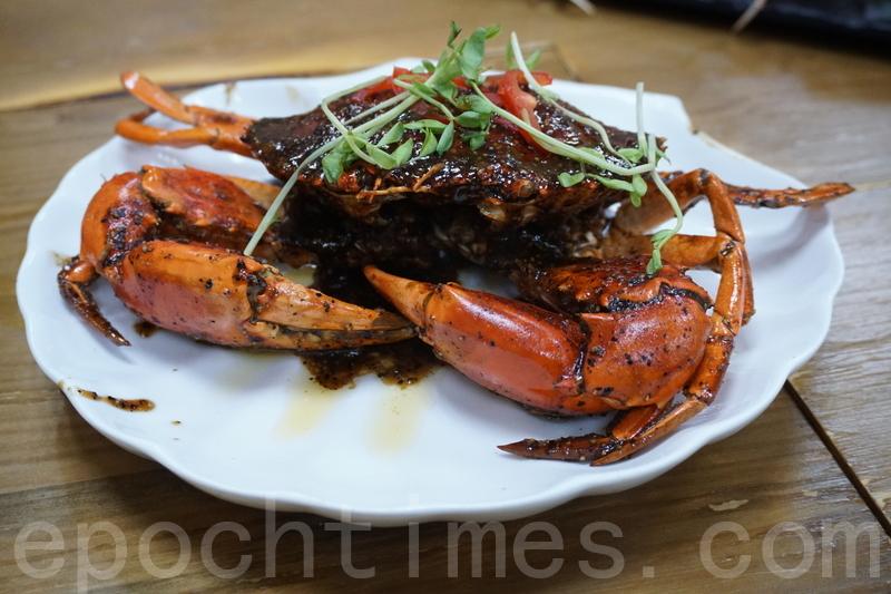 星洲胡椒蟹充滿胡椒香,蟹肉好結實,最重要係好鮮甜。