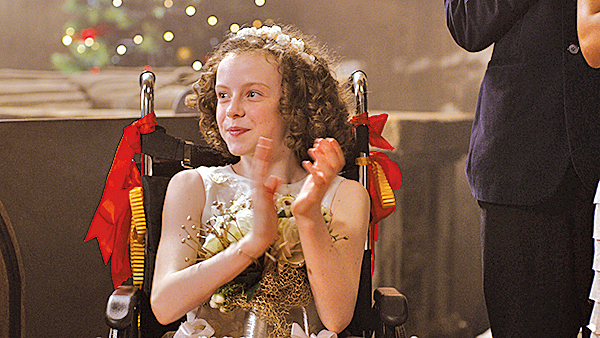 本片與現實生活中可能相對乏味的婚禮籌備增添許多可看性,如理查的妹妹艾蜜莉公主的戲劇表演遇到的困擾。
