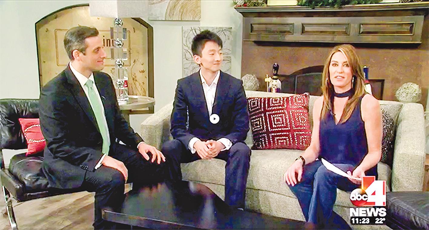陳陽暮月(陽陽)接受電視媒體採訪。