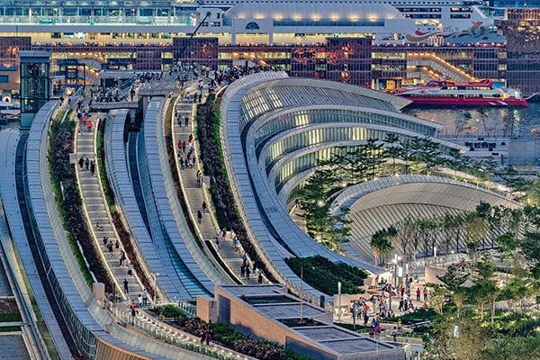 高鐵西九龍總站實施「一地兩檢」,被指違反基本法和衝擊香港法治。(Getty Images)
