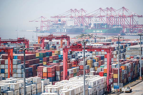 有專家分析:雖然中美貿易戰在2018年爆發,但2019年才將是全球經貿受到影響的一年。(AFP)