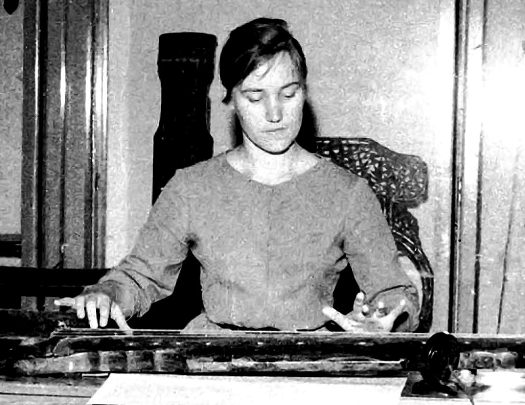 林西莉於1961年至1962年在北京學習古琴。(大紀元資料室)