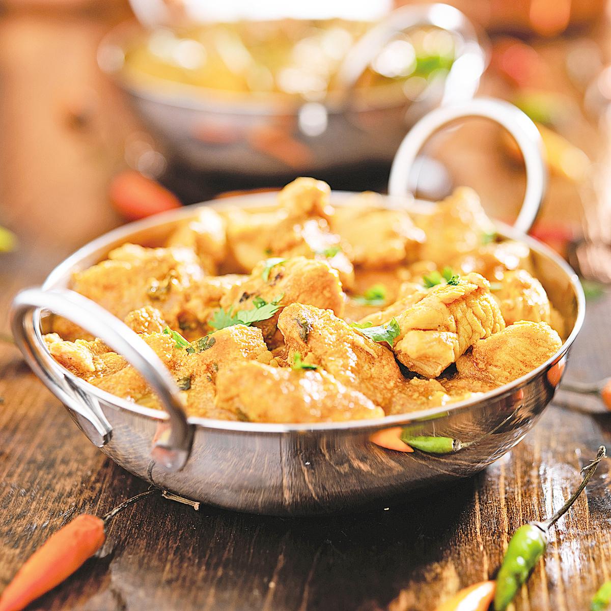 咖哩料理中常含有薑黃,其被認為能夠抑制癌症。