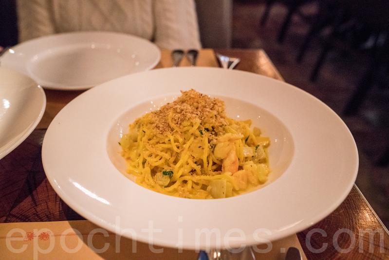 Spaghetti的意粉是自家製,外形有點像即食麵,入口軟腍帶有麵粉香。
