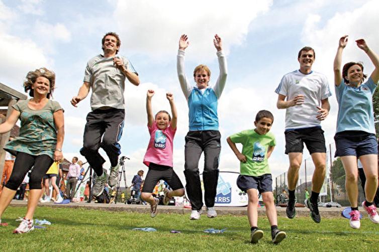 Nieman教授說,每日運動時間超過75分鐘之後,身體的皮質醇水平升高,反而對免疫系統不利。(Jan Kruger /Getty Images)