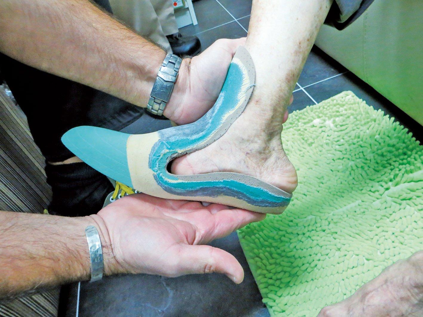 Karsten幫蔡先生右腳特製的承托鞋墊。