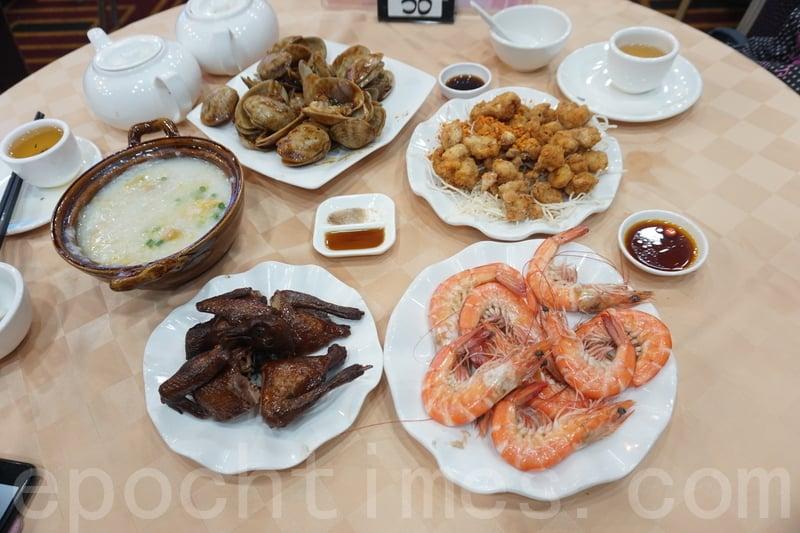 除了有名的沙田雞粥和紅燒乳鴿,還有芝士焗龍蝦配伊麵、椒鹽雞軟骨、白灼海蝦、豉椒炒大蜆。