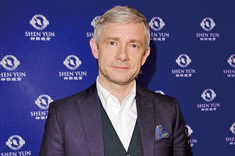 英國著名演員Martin Freeman觀看了2018年2月16日神韻藝術團在英國倫敦的演出。(新唐人電視台)
