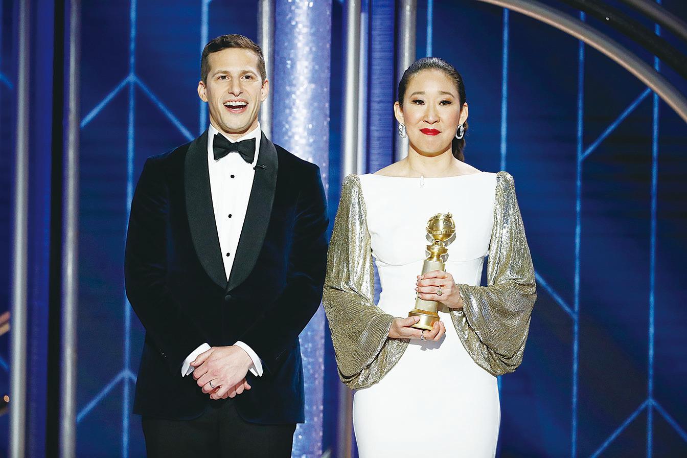 吳珊卓(Sandra Oh)不僅搭檔安迪·森堡(Andy Samberg)一起主持第76屆金球獎頒獎禮,並奪得金球獎劇情類視後。(Paul Drinkwater/NBCUniversal via Getty Images)