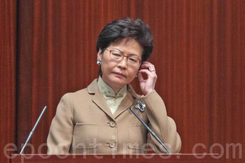 林鄭月娥指根據《基本法》,特首不可以干涉律政司的決定。(李逸/大紀元)