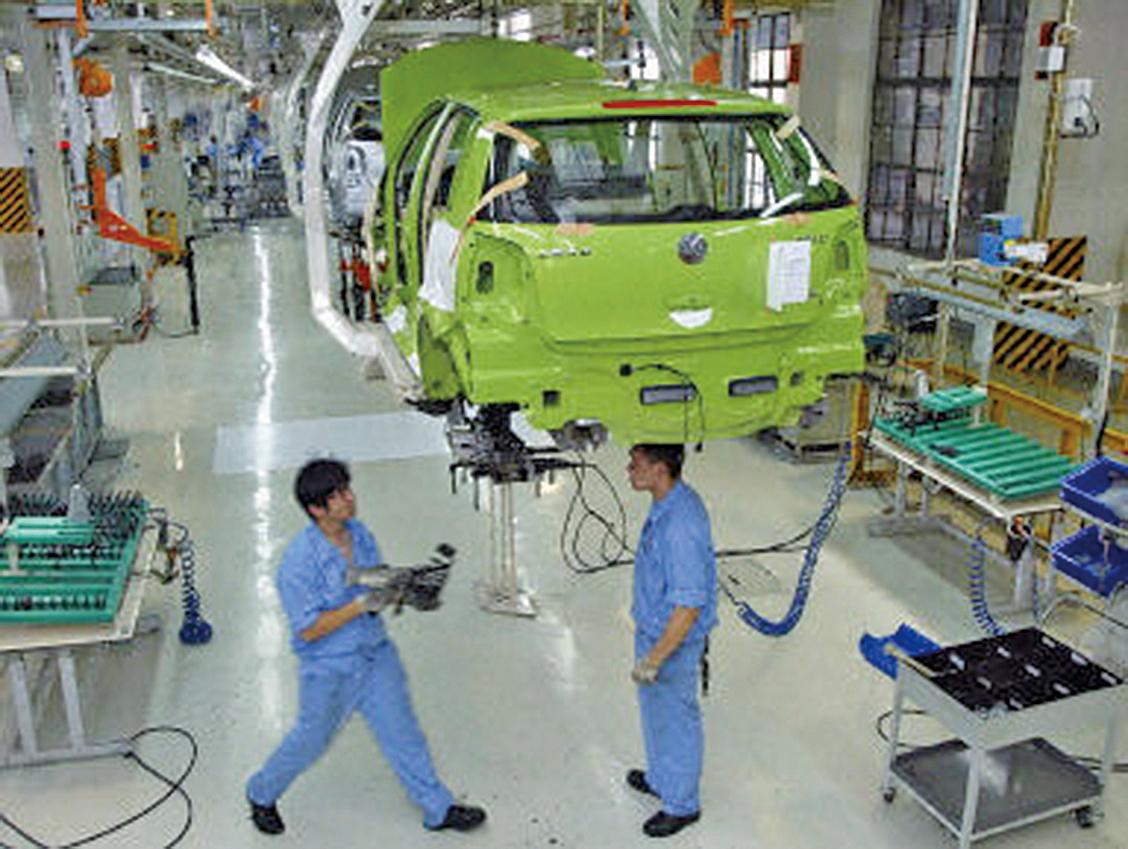 中國的汽車銷量二十多年來首次出現下滑。(AFP)
