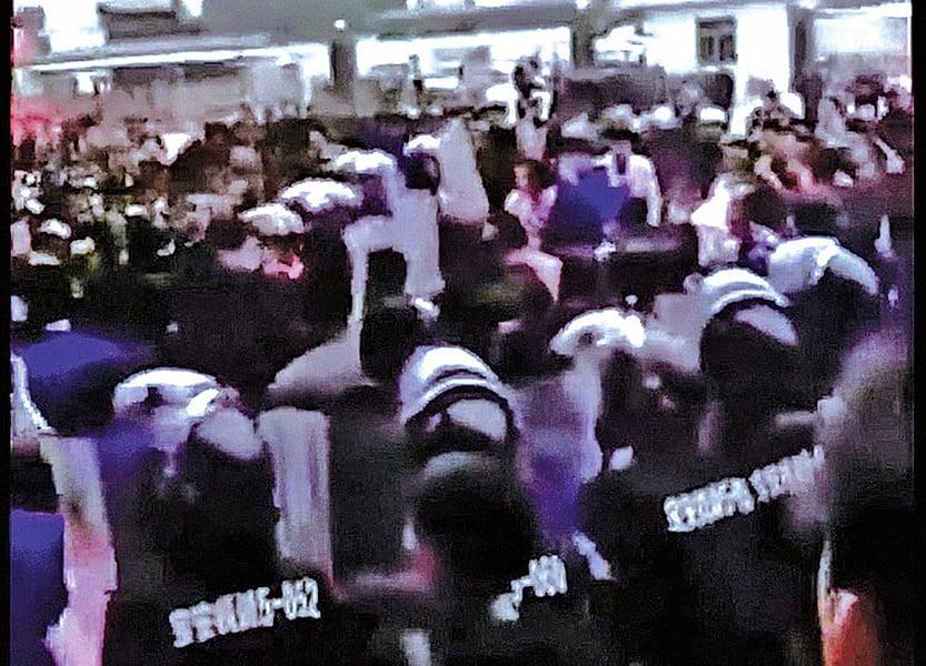 深圳手機廠撤廠 爆抗議