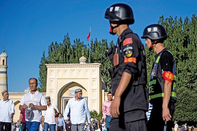 英媒實地採訪: 中共迫害新疆民族內幕