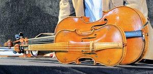 方外弦音 巴赫大提琴組曲 (三) ——神妙的花束