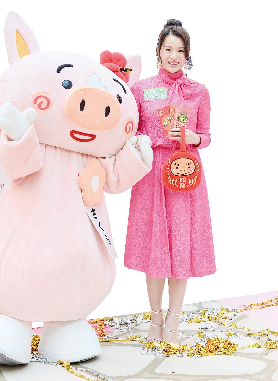 杏兒準備新年時自己做蘿蔔糕,派給親朋好友。(宋碧龍╱大紀元)