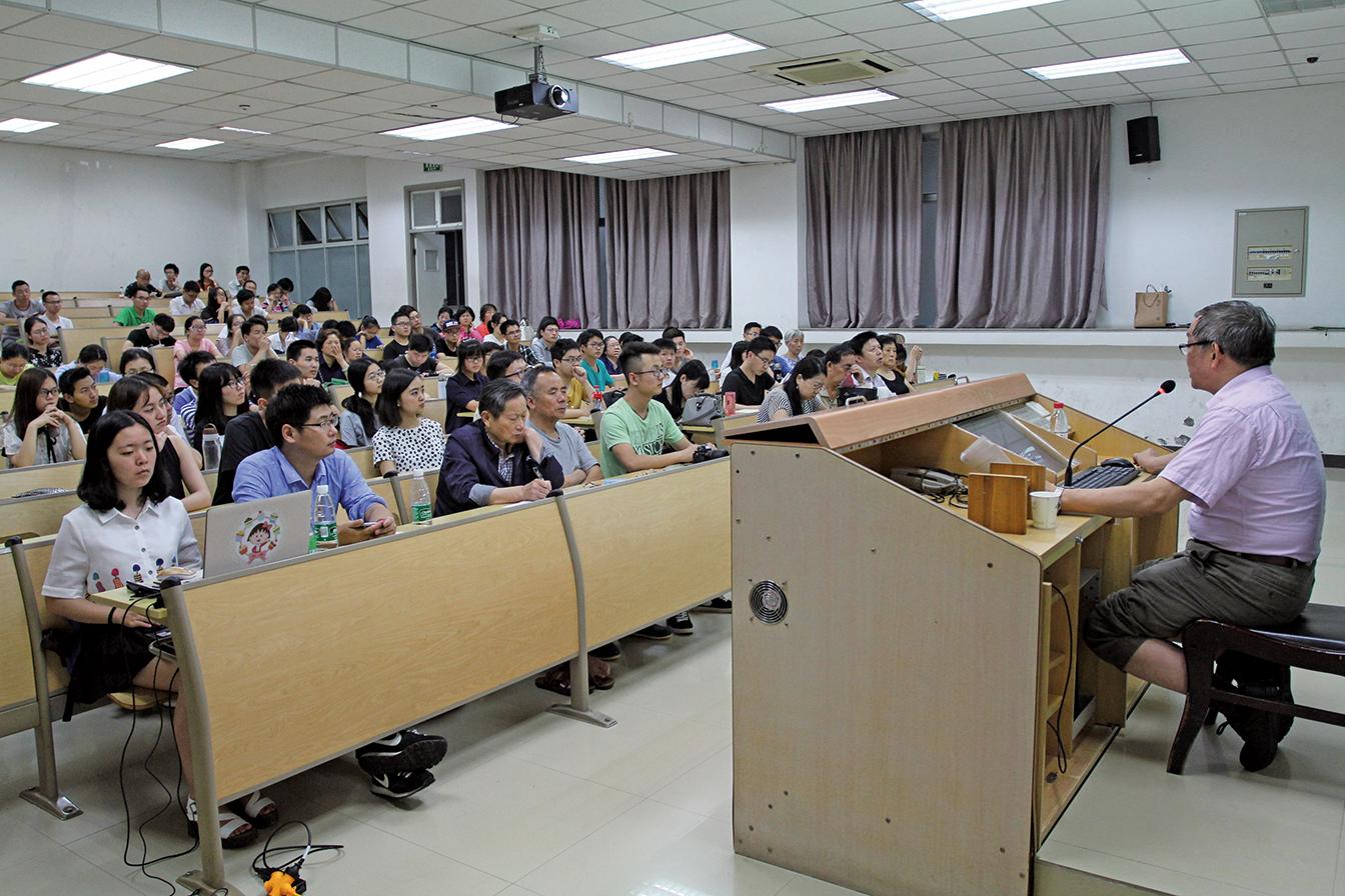 中共官方再次加大對學生的「洗腦」力度。圖為大陸高校一課堂。(示意圖)(大紀元資料室)